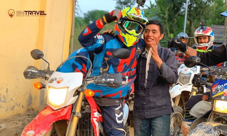 Hanoi motorbike tour to Perfume Pagoda -1