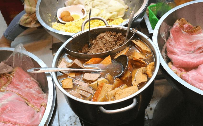 Hanoi By Night Street Food Tour 4